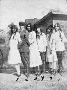 Young Willie Otey (far left), friend Louise Hoover (far right), Lizzie Otey (second from right), and other friends spend time together in their South Raleigh neighborhood, ca. 1910. Courtesy of the State Archives of North Carolina